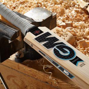 Gunn and Moore Diamond 404 Cricket Bat